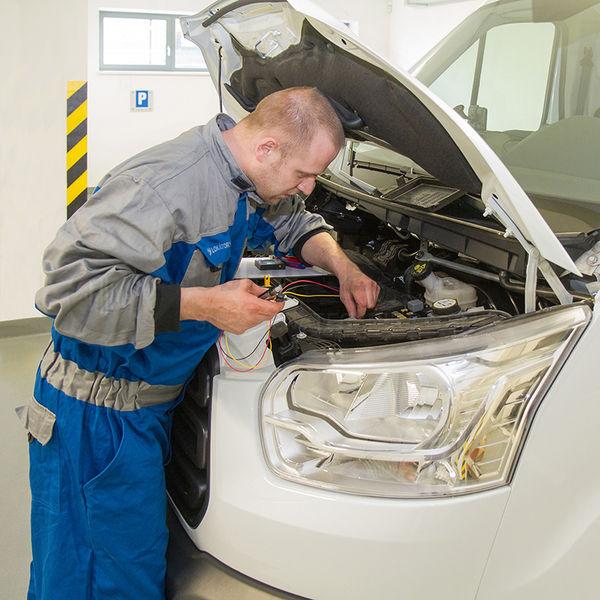Montáž GPS lokátoru do vozidla včetně relé pro vzdálené zastavení motoru